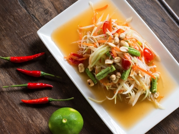 Som Tum - Spicy Green Papaya Salad