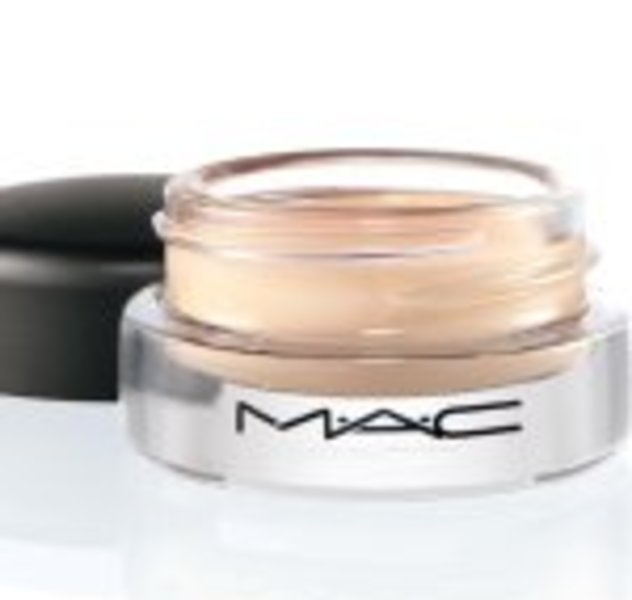 MAC Welldefined Concealer